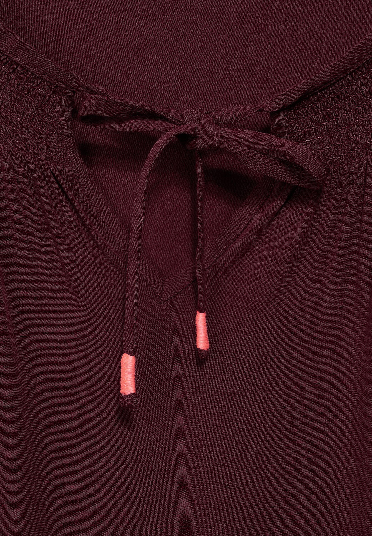 Bluse mit Smok Details